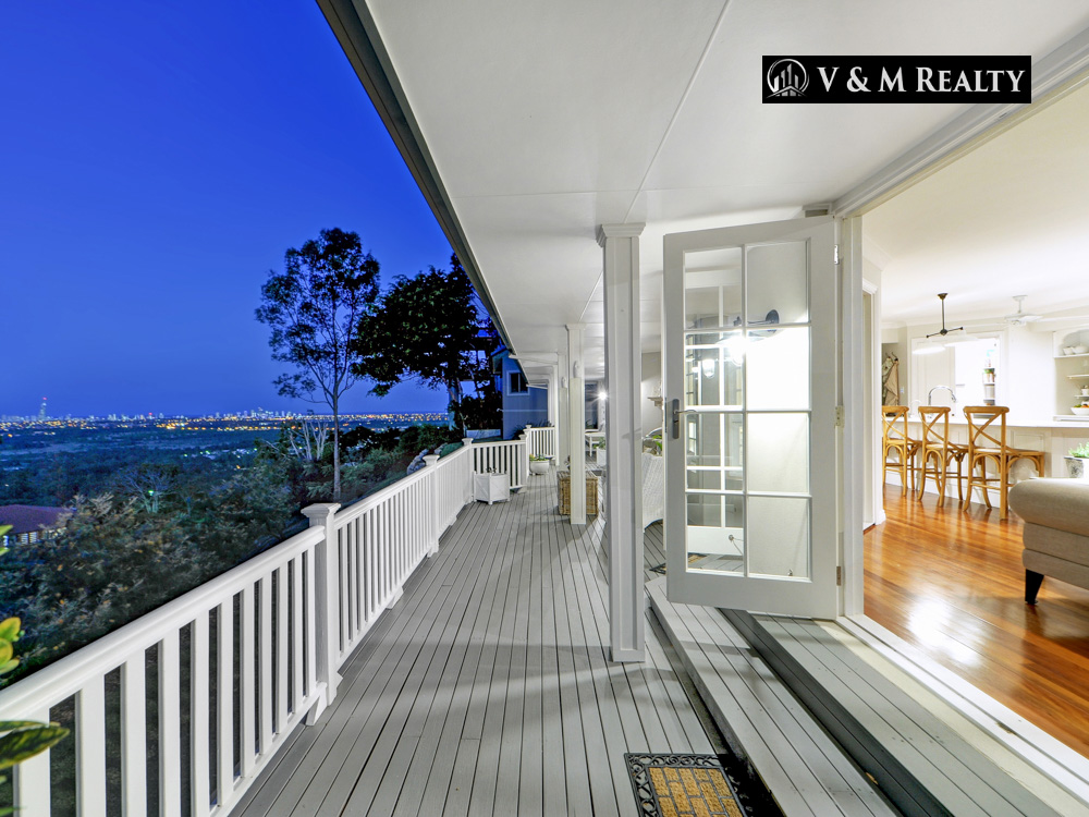 North facing ocean, skyline, hinterland and city views from private, secluded luxury estate!